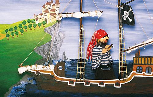 Kasperl und das Seeräuberschiff